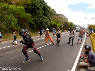 Rollers iniciando el descenso downhill Cota Mil