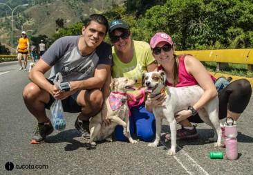 Manuel fagundo, Andrea Valente y Luz Valente con Mocha y Lili